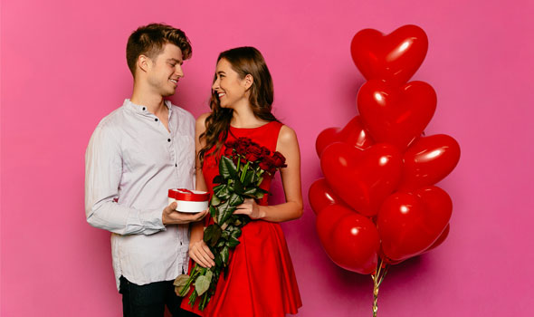 Couple Valentines balloons